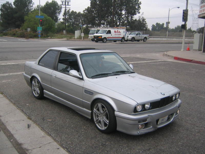 Hereu0027s an e30 with itu0027s side moldings shaved. (never mind the terrible e46 body kit) I really like the look of leaving that little lip on the door. & E30GTR-BODYWORK